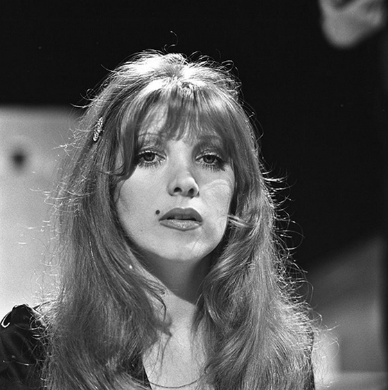 Lynsey De Paul2