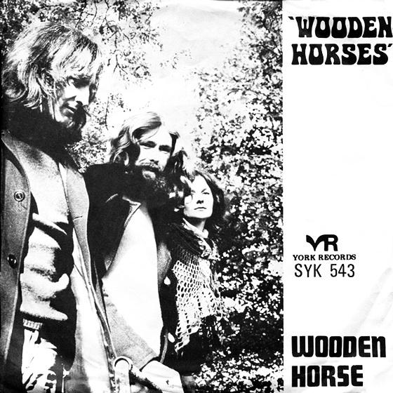 wooden-horse3